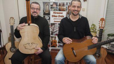 Photo of Los Díaz Ortiz: Los fabricantes artesanos de guitarras en Cantabria