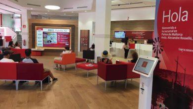 Photo of Uno de cada tres trabajadores del Banco Santander se ofrece para salir
