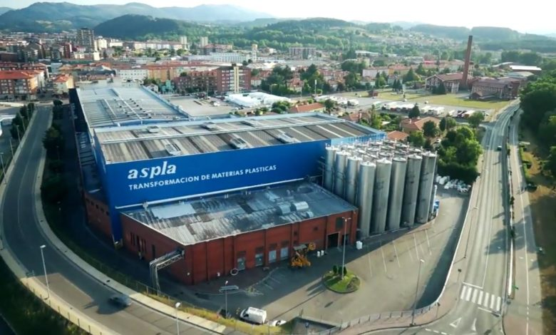 Photo of El Grupo Armando Álvarez dona 15.000 botellas para envasar gel hidroalcohólico