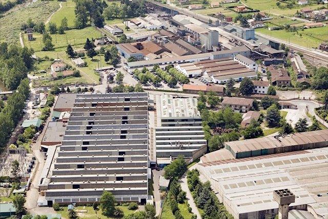 Photo of La planta cántabra de Nissan proporciona material de protección al Hospital Sierrallana