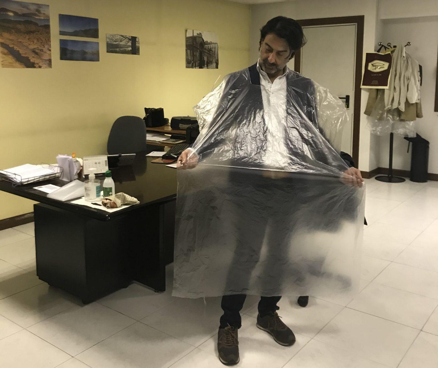 Photo of Plásticos Gamaza encuentra un nuevo mercado en el material de protección para peluquerías y tiendas