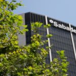 Photo of Fitch rebaja el rating de Sabadell a  BBB-  por el lastre de la crisis del Covid con perspectiva estable