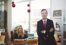 Photo of Javier Cavada y Marián Rueda crean una de las mayores empresas de mascarillas de España