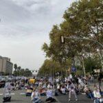 Photo of Unas 300 personas del sector de la estética protestan en Barcelona contra su cierre