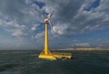 Photo of La mar arbolada hace volcar el aerogenerador del Sardinero