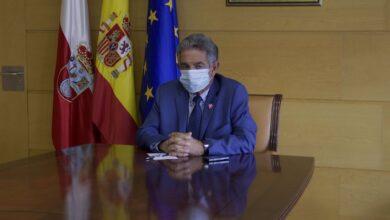 Photo of «La idea es que el día 9, si se acaba el estado de alarma, Cantabria queda desconfinada. No hay otra»