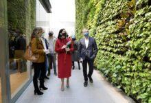 Photo of Comienzan las visitas guiadas al centro cívico de Castilla-Hermida, con el jardín vertical más grande de Europa
