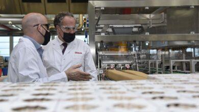 Photo of Damm invierte más de 63 millones en su fábrica de El Prat para ampliar su capacidad de producción en un 45%