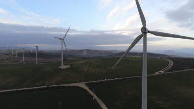 Photo of Las empresas eólicas proponen centrar el debate en cómo convertir el desarrollo eólico en desarrollo rural