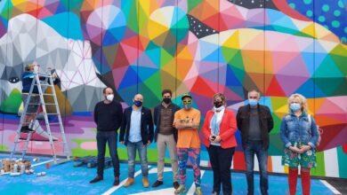 Photo of Okuda decora un mural de 140 metros cuadrados en el centro comercial Bahía Real de Camargo