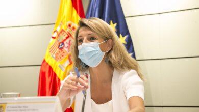Photo of El Gobierno de España ultima con los sindicatos un acuerdo para subir 15 euros el SMI este año