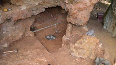 Photo of Comienza en la Cueva del Mazo una investigación para definir el límite temporal entre el Paleolítico Medio y Superior